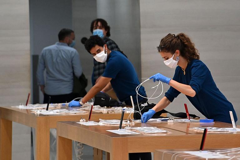 Apple thử nghiệm mô hình mới cho nhân viên bán lẻ