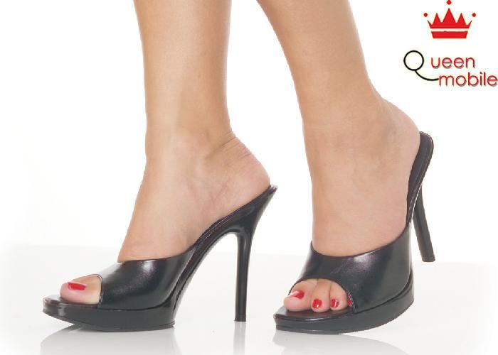 Bí quyết đi giày cao gót tự tin như người mẫu