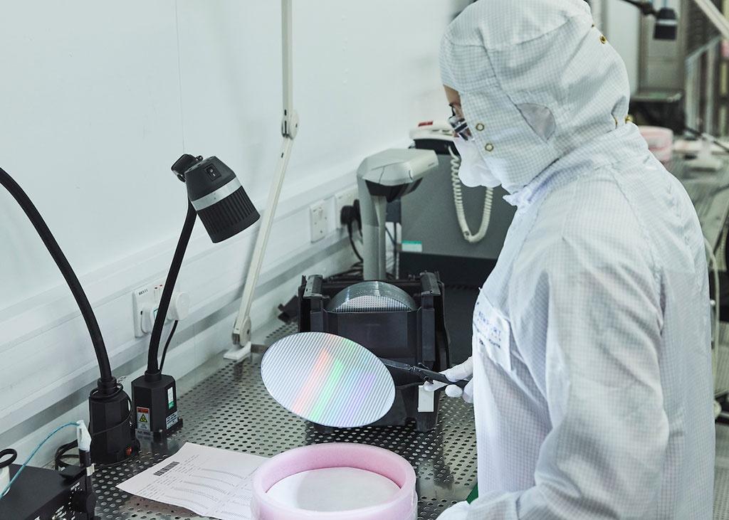 Nhà máy chip lớn nhất của Anh bị công ty Trung Quốc mua lại